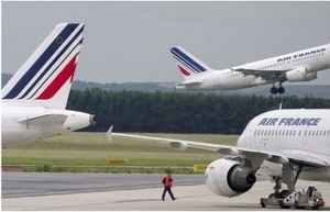air france ceo threatens to resign if strikes continue