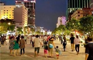 hcm city bans vehicles on nguyen hue street on april 30