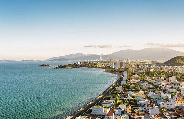 malaysias newspaper hails beauty of nha trang