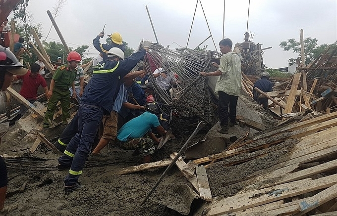 11 hospitalised in scaffolding collapse in hue
