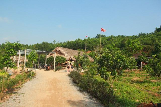 intl visitors explore unique culture of quang binh ethnic groups