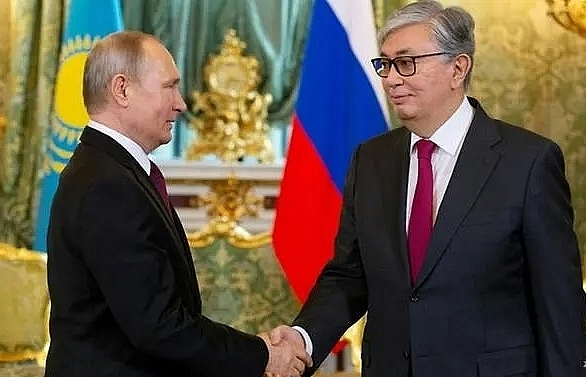 putin and kazakh leader discuss military nuclear cooperation