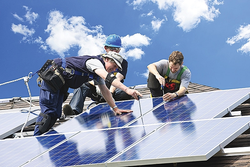 foreign investors splash the solar cash