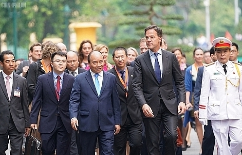 photos vietnamese dutch pms hold talks