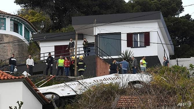 29 german tourists killed in portuguese bus crash