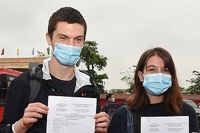 irish tourists pen heartfelt message following quarantine period
