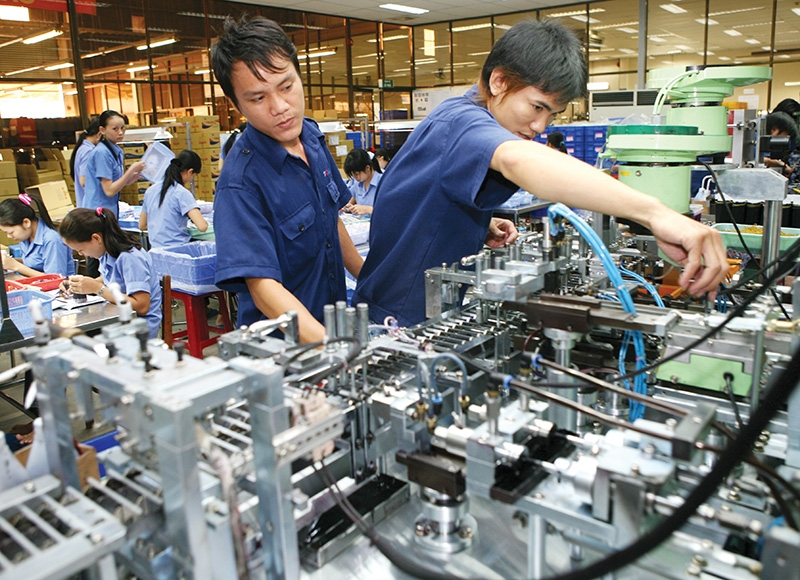 1487p2 economic growth slows as gdp rate threatened