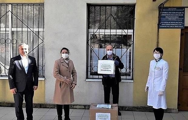 vietnamese owned company presents 600 covid 19 test kits to moldova