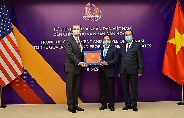 vietnam presents antibacterial face masks to us
