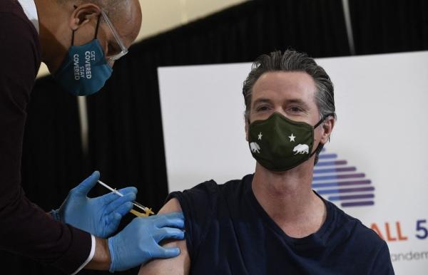 us vaccine passports advance despite growing controversy