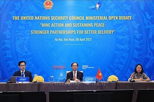 unsc debate urges intl cooperation in mine action
