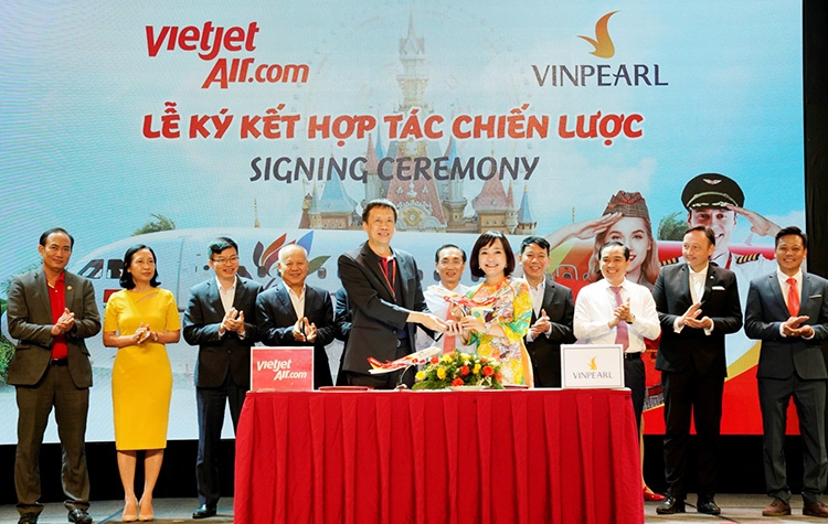 vietjet connects phu quoc with thanh hoa da lat nha trang hue can tho