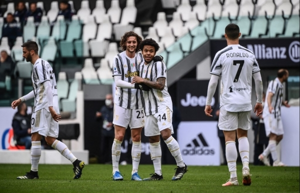 juves champions league at risk inter edge towards title despite napoli draw