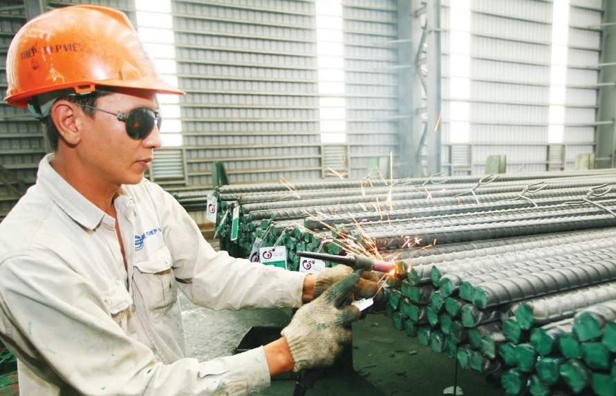 local steelmakers red hot on investment