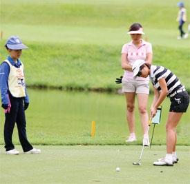 golf looks to score heavily