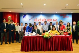 VietJet inks cooperation deal with VNPT