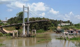 A bridge in Vietnam Mekong Delta collapses 14 days after inauguration