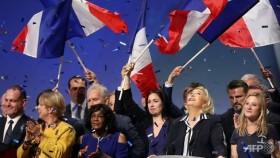 France's Le Pen fights plagiarism charge, Macron camp frets