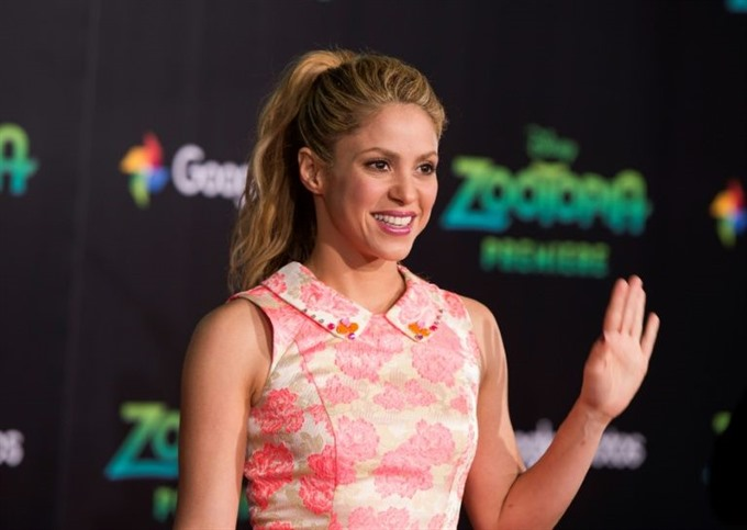 Shakira plans new album this month