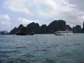 Tourists to Ha Long Bay will have to pay double for cruise terminal