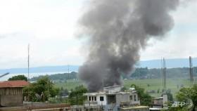 Philippine troops bomb militants in city