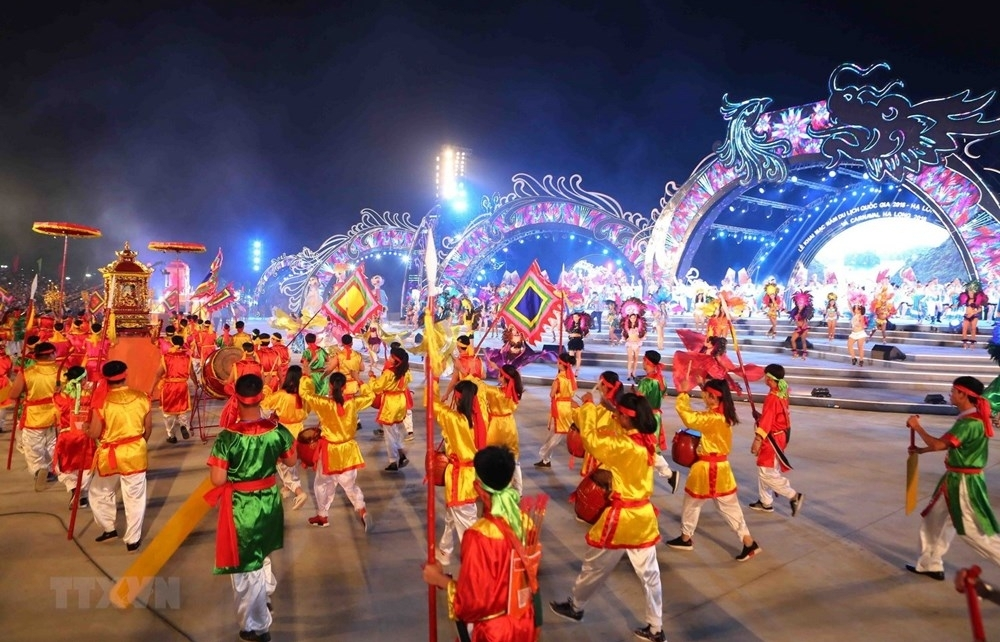 sparkling ha long on opening night of carnaval
