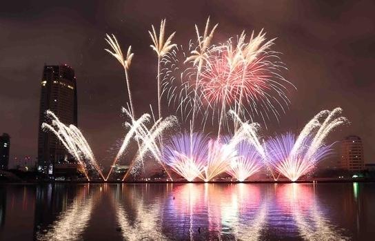 vietnam poland spark danang fireworks festival