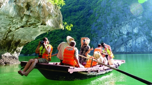 vietnam welcomes over 55 million foreign tourists in first four months