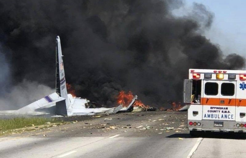 9 killed in fiery us military plane crash