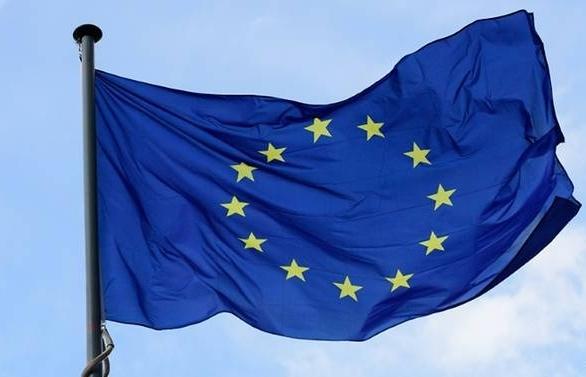 eu invites 15000 teens to travel free in europe