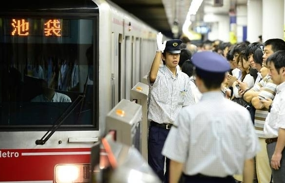 2020 olympics could paralyse tokyos famed subway study warns
