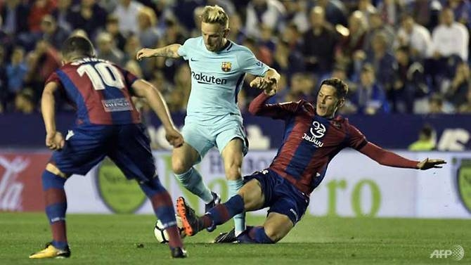 barcelonas unbeaten season ended by five star levante