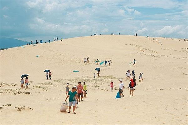 sand dunes of quang binh