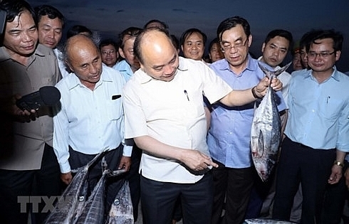 pm visits fishermen in thua thien hue quang tri provinces
