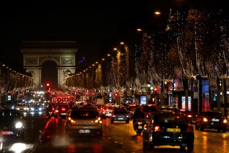 top paris restaurant probed over anti arab discrimination
