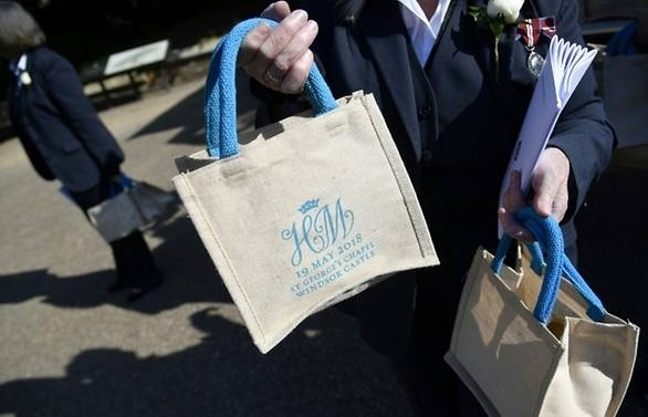 Royal wedding guests cash in on official goody bag