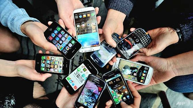 smartphone market to stay cool this year forecast