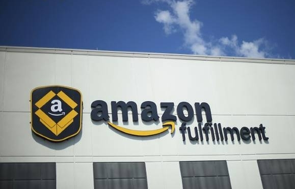 amazon blocks australia from global sites over tax