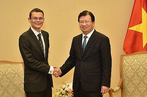 vietnam france broaden aviation business cooperation