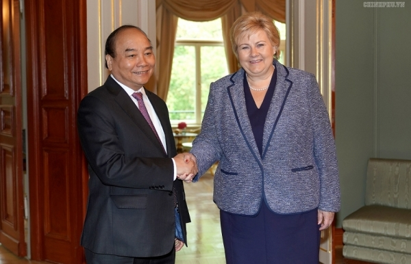 vietnamese norwegian pms hold talks