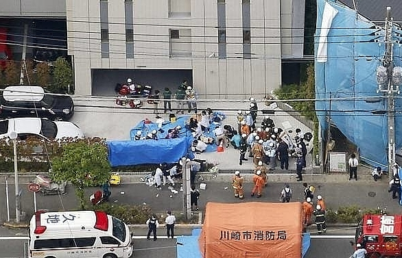 child and suspected attacker dead 17 hurt after japan mass stabbing