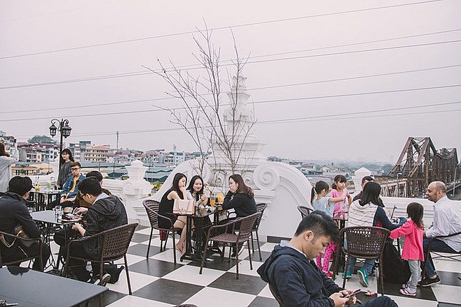hanoi coffee shops offer fantastic skyline views