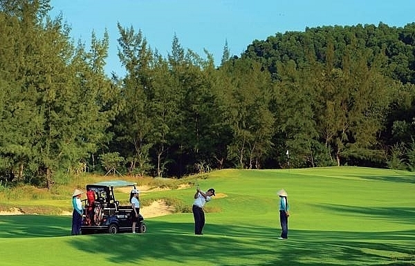golf course projects to be managed by business conditions