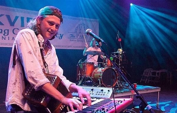 irish band to play online
