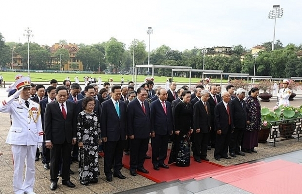 party state leaders pay tribute to president ho chi minh