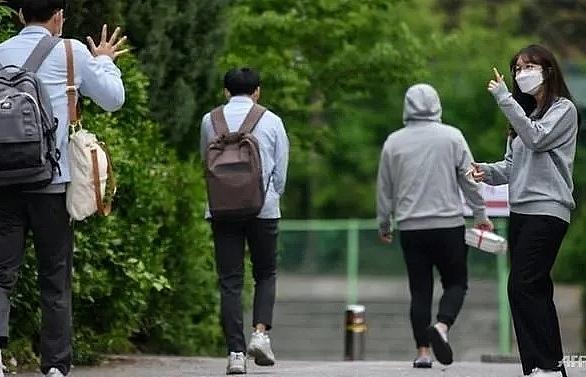 schools reopen in south korea as covid 19 fears ease