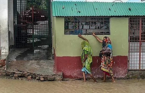 super cyclone amphan batters bangladesh and india