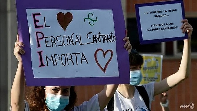 coronavirus takes toll on mental health of europes medics