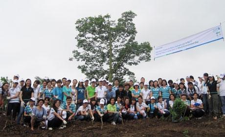 standard chartered vietnam acts for vietnam green