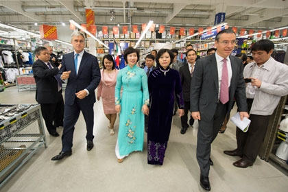metro cashcarry promotes vietnamese products in germany